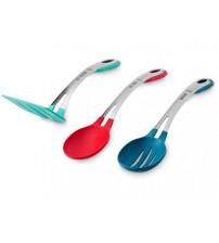 Набор кухонных принадлежностей от Jamie Oliver: лопатка, ложка и шумовка.