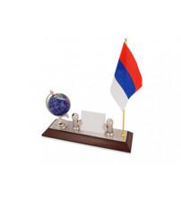 Настольный прибор «Куранты»: подставка под визитки, глобус, флаг России. Флаг другой страны или белый флаг с логотипом может быть изготовлен по желанию клиента